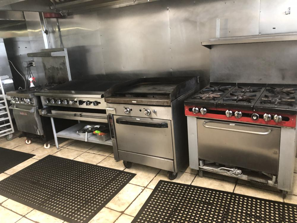 Commercial Kitchen 305