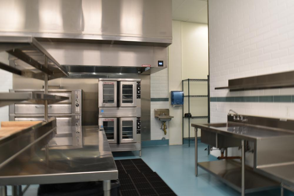 Commercial Kitchen with Large Lot!